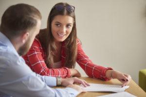 Student speaking with advisor